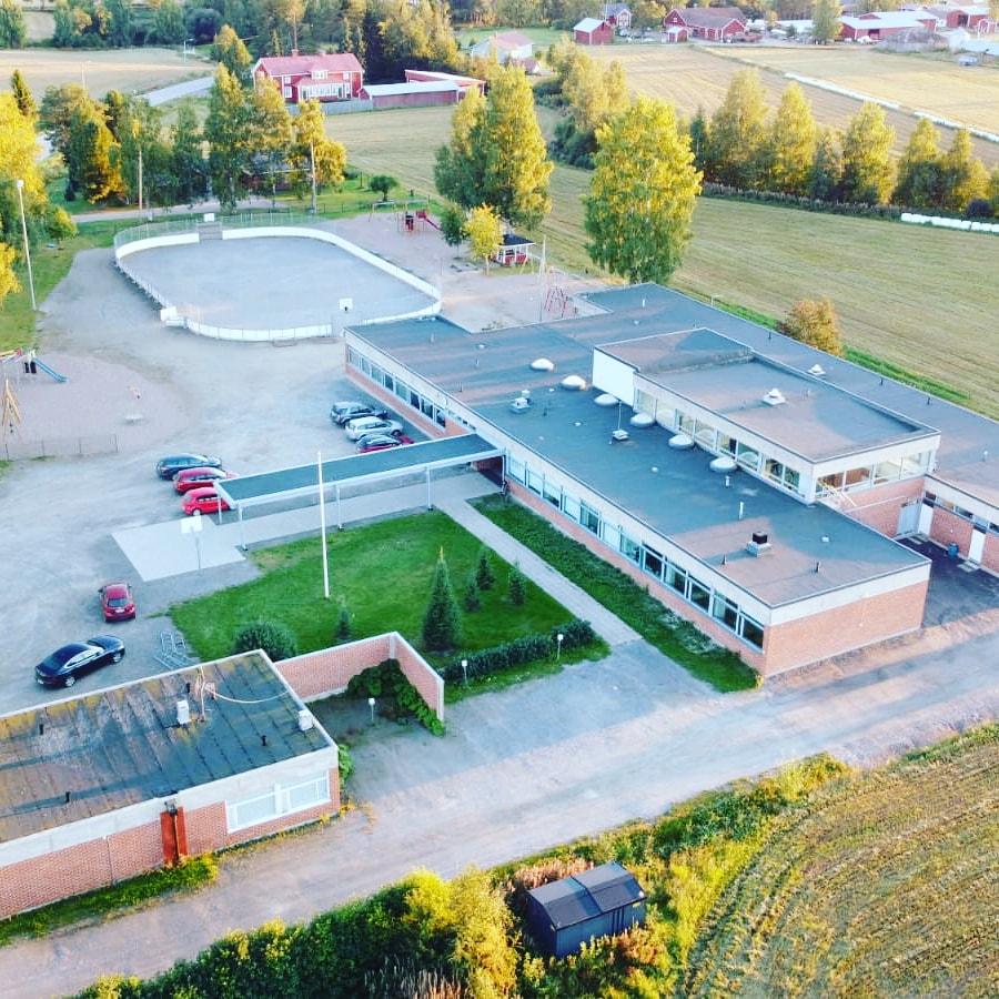 Tiistenjoen koulu